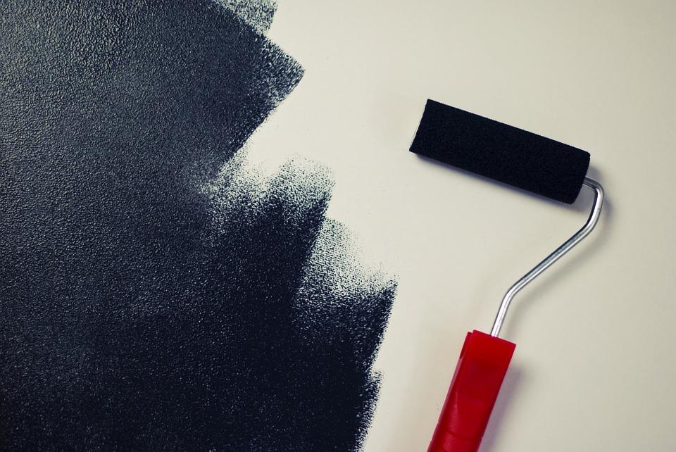 Coller, peindre, vernir,…